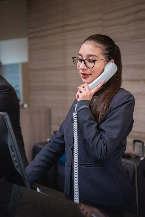 receptionists-5975962_1920